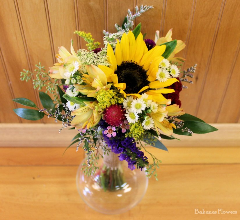 Whitley Toss Bouquet